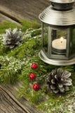 Decorazioni di natale con le candele Immagini Stock Libere da Diritti