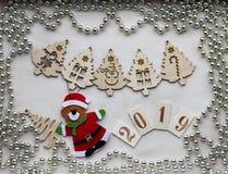 Decorazioni di Natale e simbolo dell'anno 2019 immagine stock libera da diritti