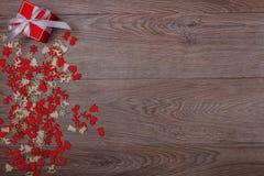 Decorazioni di Natale su fondo di legno con lo spazio della copia per testo Immagini Stock Libere da Diritti