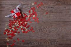 Decorazioni di Natale su fondo di legno con lo spazio della copia per testo Fotografia Stock