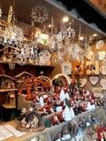 Decorazioni di Natale sul mercato Fotografia Stock