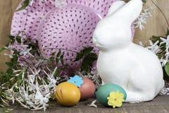 Decorazioni di Pasqua per la decorazione domestica per la festa della primavera Fotografia Stock