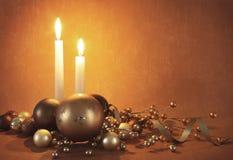 Decorazioni e candele di natale Fotografia Stock