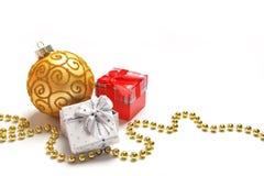 Decorazioni e regali di Natale Fotografie Stock Libere da Diritti