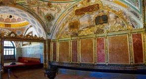 Decorazioni elaborate del divano del sultano fotografia stock