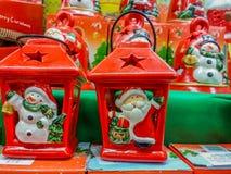 Decorazioni fatte a mano al mercato per il mese di Natale Fotografia Stock