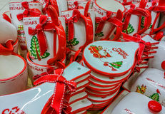 Decorazioni fatte a mano al mercato per il mese di Natale Immagini Stock Libere da Diritti