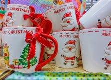 Decorazioni fatte a mano al mercato per il mese di Natale Fotografia Stock Libera da Diritti