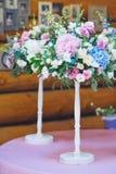 Decorazioni floreali di nozze Immagini Stock Libere da Diritti
