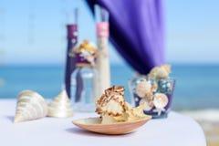 Decorazioni per le nozze sull'oceano Immagini Stock Libere da Diritti