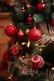 Decorazioni rosse e gialle dell'albero di Natale Fotografia Stock Libera da Diritti