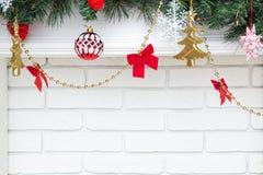 Decorazioni sull'albero di Natale immagini stock