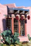 Decorazioni tradizionali del peperoncino rosso di sud-ovest fotografia stock