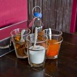 Decore os macarronetes que temperam o estilo tailandês no açúcar de tabela de madeira, secado Imagem de Stock Royalty Free
