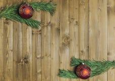 Decored jul förgrena sig på wood bakgrund Fotografering för Bildbyråer