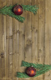Decored jul förgrena sig på wood bakgrund Royaltyfri Fotografi