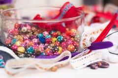 Decori il tessuto e la perla degli strumenti per stile behemian di DIY Immagine Stock