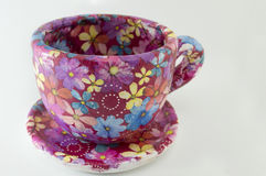 Decoupage decorated huge coffee mug. Flower pattern decoupage de Stock Photos