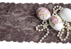 Decoupage, pizzo e perla dell'uovo di Pasqua Immagine Stock Libera da Diritti