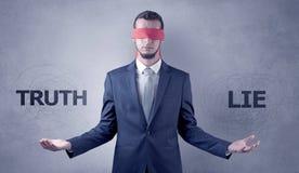Decreto coperto non decisivo dell'uomo d'affari immagini stock libere da diritti