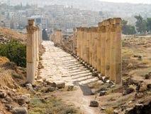 Decumanus in Jerash, Jordanië Stock Afbeelding