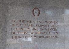 Dedicação na parede perto da entrada a Dallas Memorial Auditorium Imagem de Stock