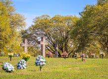 Dedicação transversal de pedra do cemitério Imagens de Stock Royalty Free