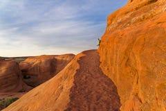 Dedichi l'arco in arché il parco nazionale, Utah fotografie stock
