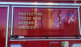 Dedikation för brandlastbil royaltyfri fotografi