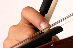 Dedo que arranca a corda do violino Foto de Stock Royalty Free