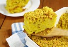 Deegwaren die met kerrie en kaas worden gebakken Royalty-vrije Stock Afbeeldingen