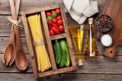 Deegwaren en ingrediënten stock foto's