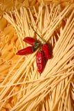 Deegwaren en peper Stock Foto