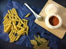 Deegwaren en specerijen Stock Fotografie