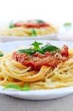 Deegwaren en tomatensaus stock foto