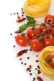 Deegwaren en verse tomaten Stock Foto's