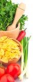Deegwaren in kom en groente royalty-vrije stock foto's