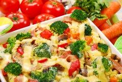Deegwaren met broccoli en paddestoelen Stock Fotografie