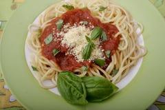 Deegwaren met een saus van tomaten Stock Fotografie