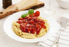 Deegwaren met tomatensaus royalty-vrije stock fotografie