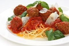Deegwaren met vleesballetjes en tomatensaus Stock Foto