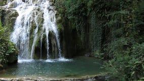 Deel van Watervalcascade Krushuna Bulgarije in de Zomer royalty-vrije stock foto's