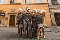 Deelnemers bij het jaarlijks (9-12 Juli) 28ste Internationale Festival van Straattheaters Royalty-vrije Stock Afbeelding