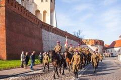 Deelnemers die Nationale Onafhankelijkheidsdag vieren een Republiek Polen - is een officiële feestdag Stock Afbeeldingen