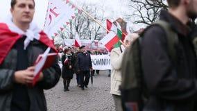 Deelnemers die Nationale Onafhankelijkheidsdag vieren een Republiek Polen - is een officiële feestdag stock footage