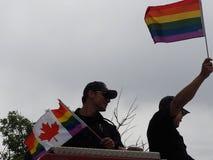Deelnemers in Edmonton Pride Parade Stock Afbeeldingen