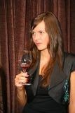 Deelnemers en bezoekers aan de bedrijfstentoonstelling van fabrikanten en leveranciers van Italiaans wijnen en voedsel vinitaly Stock Afbeeldingen