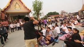 Deelnemers van Hoofddagceremonie in bekwame Khong Khuen stock video