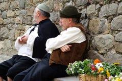 Deelnemers van middeleeuwse kostuumpartij Stock Foto's