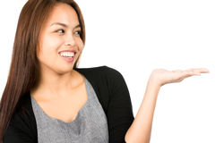 Deelt de portret Aziatische Vrouw het Tonen van Product uit Stock Afbeelding